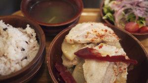 代々木上原 【ガテモタブン】ブータン料理でランチ、辛い〜